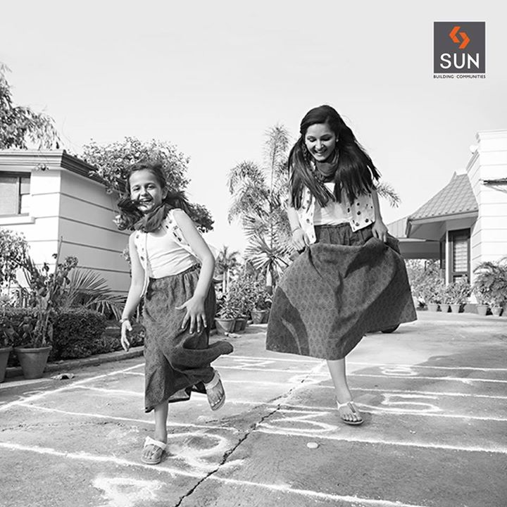 Hop, jump, play and keep your spirit happy and high. Spend a weekend by playing fun games and break free from the chains of stress.