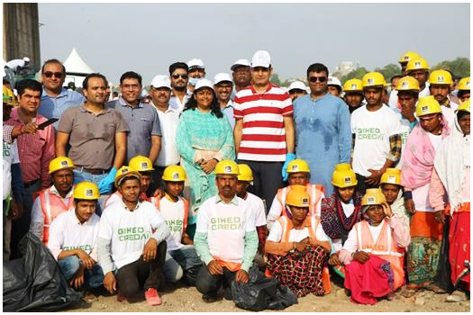 Towards a better & cleaner Sabarmati!   Humbled to be a part of the #SwachhSabarmatiMahaabhiyan with AMC-Amdavad Municipal Corporation to enhance the beauty of riverfront.   #SunCares #EnvironmentDay #Ahmedabad #SabarmatiRiverFront #SunBuildersGroup