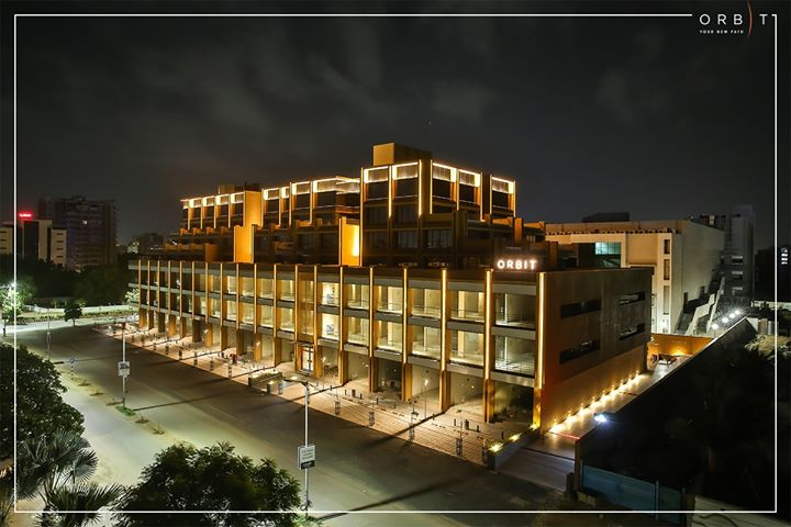 #Orbit, provides you with your own orbit to success! A project that is successfully completed in just 18 months.   The retail & office environs at Orbit are engulfed with an elaborate elevation with key features like a well-lit facade & terraces that are a perfect canvas for your coffee breaks.   The campus at Orbit is developed teaming up with the modern ergonomics & landscapes that are conceived to create the impetus for the desired growth trajectory!  #SunBuildersGroup #Ahmedabad #Gujarat #RealEstate #ProjectCompleted #CompletedProject