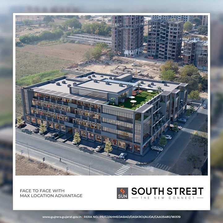 Space that a perfect fit for all businesses who thrive for a better tomorrow!  #SunSouthStreet #SunBuildersGroup #Ahmedabad #Gujarat