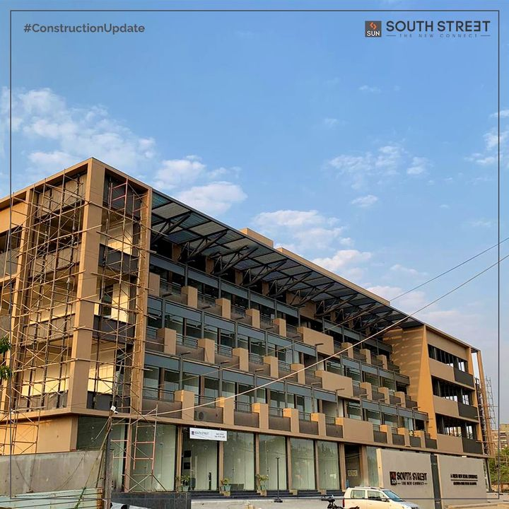 Sun South Street is poised to become the new Social Hub meeting all daily consumable and social needs with exceptional Retail Segments coming up @South Bopal. Revolutionizing the Retail Landscape of SOBO, the New Connect is here to elevate our brand identity and lead your Business towards Success.   For Details Call: +91 99789 32081  #SunBuilders #SunBuildersGroup #SunSouthStreet #ConstructionUpdate #SouthBopal #SOBO #Retail #Business #RetailShowrooms #RealEstate #RealEstateAhmedabad #Ahmedabad #Gujarat #GujaratRealEstate #India
