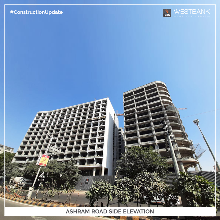 Be surrounded by the spectacular River Front and get encouraged to Work at an inspirational work environment. The upcoming Business Hub at Ashram Road, Sun West Bank is a potential retail experience owing to its optimized positioning as shown in these Construction Updates. Ashram Road, Riverfront and Vallabh Sadan Side Elevations are under Progress along with Block-A Primer and Texturing.   #SunBuildersGroup #SunBuilders #SunWestBank #Commercial #ConstructionUpdate #AshramRoad #RiverFront #RealEstate #RealEstateAhmedabad #Ahmedabad #Gujarat #GujaratRealEstate #India