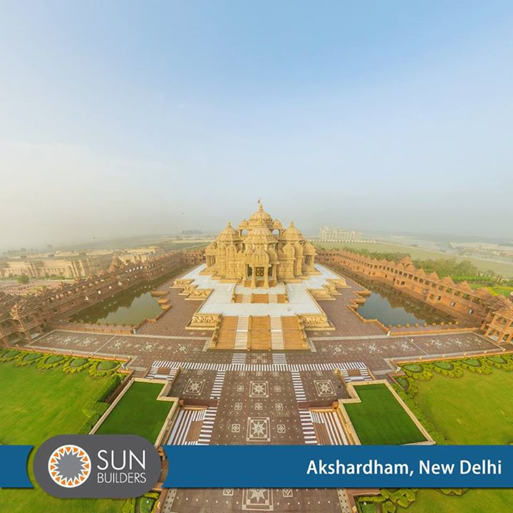 Akshardham temple complex, built on principles of Vastu and Pancharatra Shastra, sits on the banks of river Yamuna near the 2010 Commonwealth Games Village in Eastern New Delhi. #Landmarks #India #Architecture
