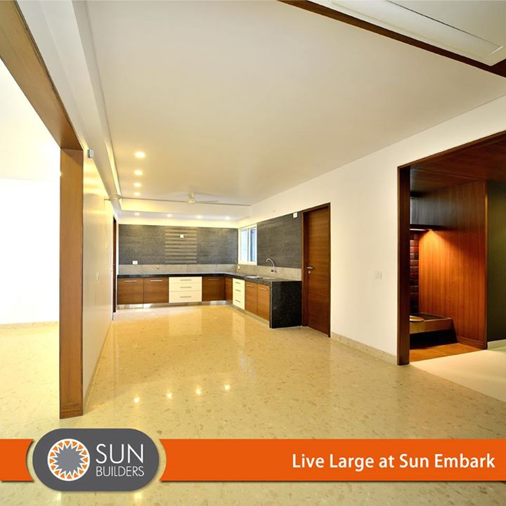 Sun Embark 4BHK Sky Suites sets your living spaces aglow with the thoughtfully adapted designs of luxury. #Luxurious #Apartments