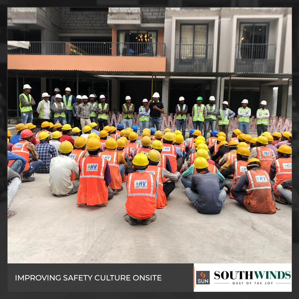 Glimpses from the safety session held at #SunSouthWinds ensuring the safety of the workers on site.  #SunBuilders #RealEstate #Ahmedabad #RealEstateGujarat #Gujarat https://t.co/dIQdeaBXGU
